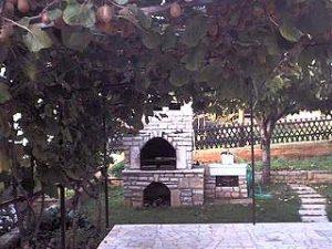 Apartmani Marta Novigrad vrt i roštilj
